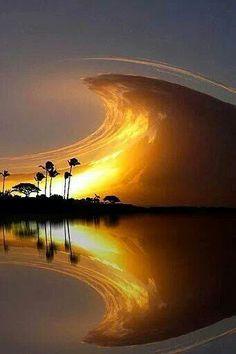 Sky wave formation - coasta rica