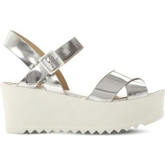 STEVE MADDEN Simpill metallic flatform sandals (10.465 HUF) ❤ liked on Polyvore featuring shoes, sandals, metallic platform sandals, vegan shoes, high heel platform sandals, flatform shoes and steve madden sandals