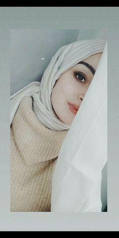 Cute Girl Photo, Girl Photo Poses, Girl Photography Poses, Hijabi Girl, Girl Hijab, Instagram Hijab, Maquillage Harley Quinn, Cute Couple Selfies, Hijab Style Dress