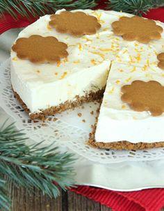 Gingerbread cheesecake with white chocolate. Swedish Christmas Food, Christmas Dishes, Christmas Sweets, Christmas Baking, Swedish Recipes, Sweet Recipes, Gingerbread Cheesecake, Best Cheesecake, Love Food