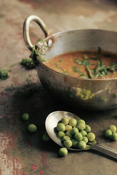 spicy curry peas