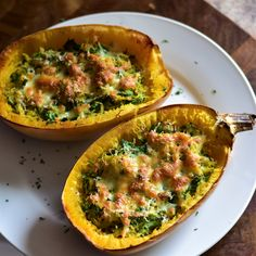 Cheesy Roasted Garlic Spaghetti Squash with Spinach Veggie Recipes, Low Carb Recipes, Vegetarian Recipes, Dinner Recipes, Cooking Recipes, Healthy Recipes, Healthy Foods, Dinner Ideas, Garlic Spaghetti