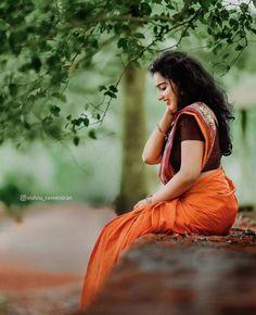 Beautiful Girl In India, Beautiful Saree, Beautiful Indian Actress, Beautiful Women, Cute Baby Girl Pictures, Girl Photos, Girl Pics, Girl Photo Poses, Girl Photography Poses