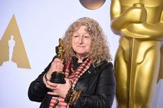 衣装デザイン賞を受賞したジェニー・ビーヴァンは、自分のスタイルを貫いて出席 Photo: AP / AFLO