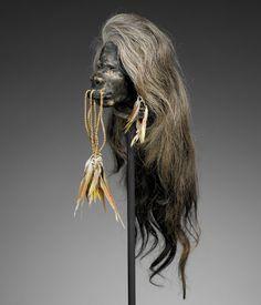 «Cheveux chéris» : analyse d'une tête réduite jivaro Tribal Rituals, Voodoo Halloween, Image Paris, Shrunken Head, Head Hunter, Art Premier, Animal Bones, Human Skull, Black White Photos