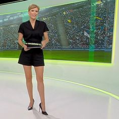 More on tvmagia.ro Beautiful Legs, Long Legs, Tudor, Basketball Court, Sports, Sport