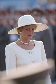 Princess Diana in Hungary, May 1990 #RoyalSerendipity #princess #Diana Princess Diana Queen of Hearts