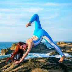 То чувство когда ничего не мешает сосредоточиться на технике выполнения самого сложного упражнения.  Спортивные комбинезоны серии ROXY идеальны для Йоги и стретчинга! примерка в Москве о МО. Несколько расцветок. Универсальный размер. Приобрести можно по активной ссылке в профиле и в бутике в торговом центре Океания! #yogagirl #здоровье #yogalife #похудеть #sexygirlz #спортивнаяодежда #фитнесбудущего #комбенизон #фитнесодежда #ttfy #ttfyofficial