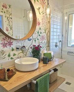 Bathroom Design Small, Bathroom Interior Design, Interior Decorating, Bad Inspiration, Bathroom Inspiration, Lavabo Vintage, Bathroom Wallpaper, Bathroom Sets, Beautiful Bathrooms