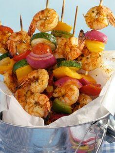 How To Make Grilled Shrimp Kabobs, Shrimp Kabob Recipes and Grilling Tips Grilled Shrimp Kabobs, Shrimp Kabob Recipes, Seafood Recipes, Paleo Recipes, Mexican Food Recipes, Cooking Recipes, Shrimp Skewers, Copycat Recipes, Cooking Ideas