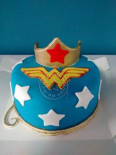 mini bolo mulher maravilha/wonder woman mini cake