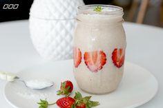 MNB-Brekky-Strawberry-Smoothie2