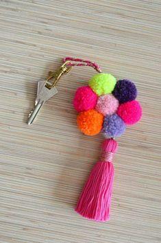 Pom pom keychain Tassel keychain Hot pink pom pom bag charm Purse charm Tassel key chain Key ring Flower handbag charm Bohemian accesories Colorful bag charm / keychain made of hand crafted pom poms and tassels in bright colors. Pom Pom Crafts, Yarn Crafts, Diy And Crafts, Arts And Crafts, Pom Pom Rug, Pom Poms, Pom Pom Flowers, Pom Pom Bag Charm, Pom Pom Keyrings