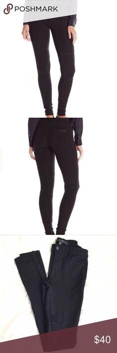 "Joe's Jeans Ponte Seamed Skinny Pants Joe's Jeans Ponte Seamed Skinny Pants. Worn twice, perfect condition. Fit more like leggings, super flattering. Inseam is approx. 31"". Waist laying flat is 13 1/2"" across. 68% Cotton/27% Nylon/5% Elastane. Black midrise skinny jean featuring reinforced knee and five-pocket styling. Joe's Jeans Jeans Skinny"