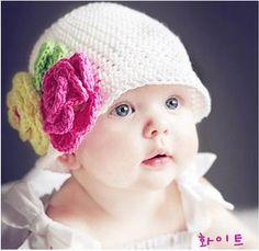 【楽天市場】【レビューメール便無料】【大幅値下】ハンドメイド ニット帽ホワイト お花つき 赤ちゃん/ベビー/新生児/キッズ ニット/帽子【130206_free】 【130206_p1000】:BettyBotter
