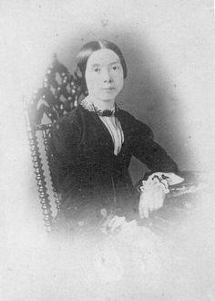 El asombroso universo de Emily Dickinson en un solo libro