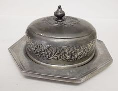 Vintage Wilton RWP Pewter Floral Cheese Condiment Bowl Dish Covered Lid #Wilton