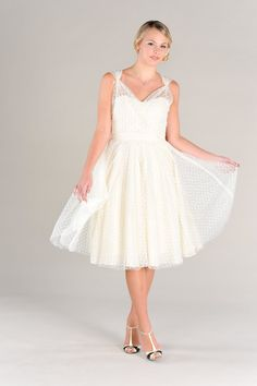 Short Wedding Dress Polka Dots Vintage 50s Era Eco Friendly Sweetheart Neckline Full Circle Skirt
