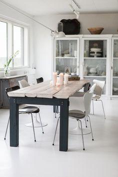"""Puusepän valmista oman malliston ruokapöytä """"priestkiller"""" Office Desk, Dining Table, Furniture, Home Decor, Desk Office, Decoration Home, Desk, Room Decor, Dinner Table"""