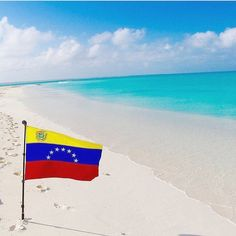 ���� Creemos en ti, en tu gente y en que todo sacrificio valdrá la pena para vuelvas a ser lo que siempre fuiste... Te amo Venezuela ���� . . #kaptivaswimwear #venezuela #playa #beachwear #beachlife #paraiso #paradise #landscape #paisaje #unico #chill #hermoso #beautiful #beach #viajero #travel http://tipsrazzi.com/ipost/1507261212184841990/?code=BTq3hYwAI8G