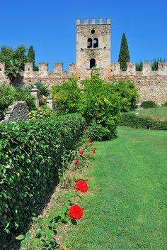 Castello di Castellaro Lagusello #TuscanyAgriturismoGiratola