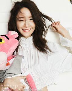 少女時代のユナが中国の有名ファッション誌で表紙を飾り、中国での変わらぬ影響力を証明した。中国のファッション誌「紅秀GRAZIA」は最新号のモデルを務めたユナのグラビアを公開した。グラビアでユナは清純… - 韓流・韓国芸能ニュースはKstyle