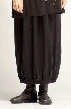 Tunnel Skirt in Black Tokyo