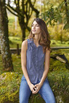 MAPLE /// @ponteMAPLE °°°°°°°°°°CAMISA SIN MANGAS RAYAS AZULES /// Blue stripes shirt Blue Stripes, Shirts, Tops, Women, Fashion, Sleeves, Moda, Fashion Styles, Dress Shirts