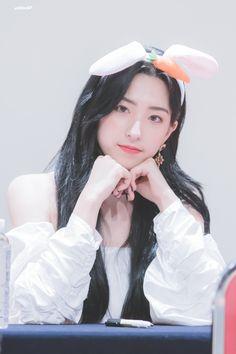 Kpop Girl Groups, Kpop Girls, Cosmic Girls, K Beauty, My Girl, Dancer, Cheng Xiao, Cute, Idol
