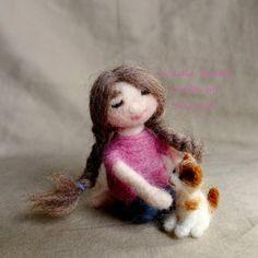 Needle felted poupée-Lisa et son chaton par FunFeltByWinnie sur Etsy