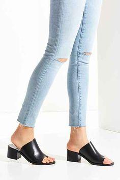 LOQ Elda Toe Hold Mule Heel - Urban Outfitters