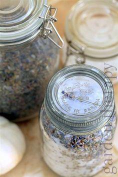 DIY Gift Ideas for Women ~ Lavender Bath Salts Recipe in beautiful vintage jars - easy to make but looks like a million bucks! Diy Gifts In A Jar, Jar Gifts, Best Bath Salts, Lavender Crafts, Lavender Recipes, Lavender Garden, Bath Salts Recipe, Lavender Bath Salts, Homemade Essential Oils