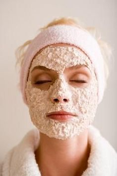 Oatmeal Honey #Skin #Mask. A #homemade oatmeal mask with soothing properties.