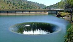 10 gigantescas crateras construídas pelo homem que são de tirar o fôlego