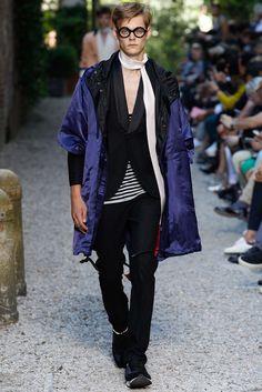 Andrea Pompilio Spring 2016 Menswear Fashion Show
