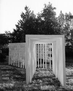 thresholds cemetery sculpture by frances nelson + bradly gunn - designboom | architecture & design magazine