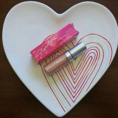 Traded. .$3.00 Mary Kay Lip Gloss in Pink Pearl Full Size *new* 2 available