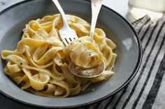 NYT Cooking: Elaine's Fettucine Alfredo – it is delicious and deeply satisfying. (Fun fact: Jackie O was a fan. Italian Dishes, Italian Recipes, New Recipes, Dinner Recipes, Cooking Recipes, Italian Sauces, Nytimes Recipes, Paula Deen, Risotto