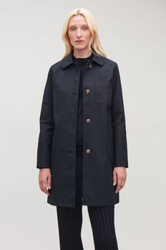Model side image of Cos short workwear trench coat in blue Short Trench Coat, Blue Trench Coat, Wardrobe Sale, Small Wardrobe, Cos Shorts, Classic Style, My Style, White Shirts, New Dress