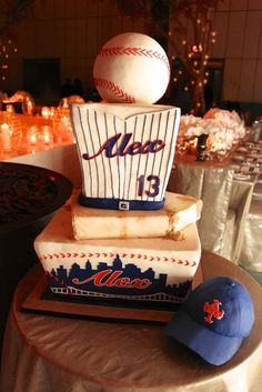 NY Mets Bar Mitzvah cake with edible baseball cap