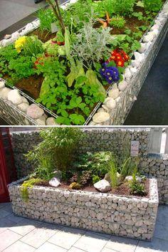 30+ DIY Garden Bed Edging Ideas - Page 3 of 3 Diy Garden Bed, Garden Edging, Garden Borders, Raised Garden Beds, Raised Beds, Garden Art, Flower Bed Borders, Flower Beds, Diy Flower