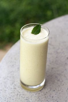 Honeydew Almond Milk Smoothie  serves 2    2 cups honeydew, diced (this was half of a melon for me)  2 cups, organic unsweetened almond milk  1-2 cups of ice