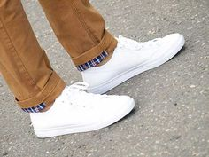 154acbee690 Going Sockless With Your Shoes - Style Guide - Men Style Fashion Baby Nike