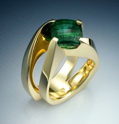 Stunning 18k gold Green Tourmaline ring by Metamorphosisjewelry