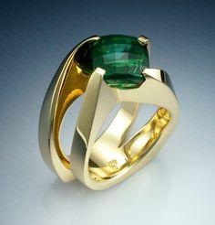 Stunning 18k gold Green Tourmaline ring by Metamorphosisjewelry