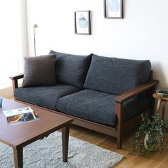 I'm keen on this spectacular sofa couch Wooden Couch, Wood Sofa, Sofa Furniture, Furniture Design, Wooden Living Room Furniture, Wooden Sofa Set Designs, Sofa Bed Design, Simple Living Room Decor, Rustic Sofa