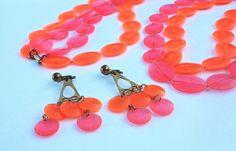 Orange & Pink Necklace and Earrings  Vintage by LoriLakeTreasures