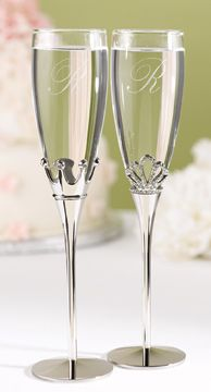 Personalized King and Queen Toasting Flutes from Wedding Favors Unlimited Wedding Favors Unlimited, Wedding Flutes, Wedding Toasting Glasses, Diy Wedding Glasses, Wedding Ceremony, Wedding Speeches, Table Wedding, Party Wedding, Wedding Toasts