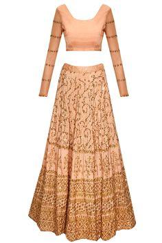 Rose gold sequins embroidered lehenga set by Astha Narang. Shop now: http://www.perniaspopupshop.com/designers/astha-narang #lehenga #asthanarang #shopnow #perniaspopupshop
