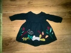 M&s green long sleeve floral smocked dress in excellent condition Baby Girl Winter, Long Sleeve Floral Dress, Princess Tutu, New Baby Girls, New Baby Products, Dresses With Sleeves, Summer Dresses, Dark, Green